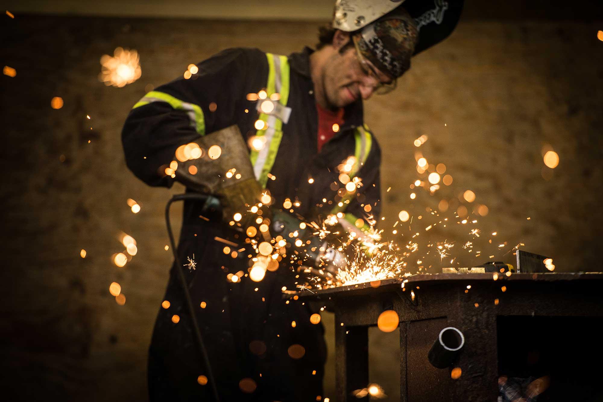 worker-welding-fabricating